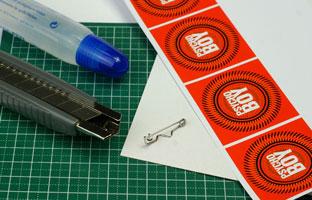 Ökobuttons aus Pappe basteln Material