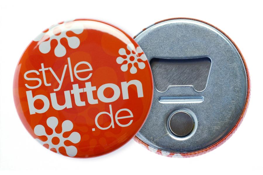 Button 56 mm mit Flaschenöffner und Magnet