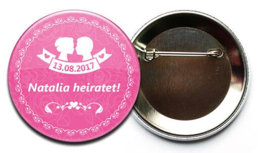 produktbild button mit rueckseite sicherheitsnadel 2 540 JGA-Button Modell #2