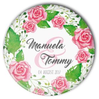 personalisierter Hochzeits-Button mit Rosengesteck