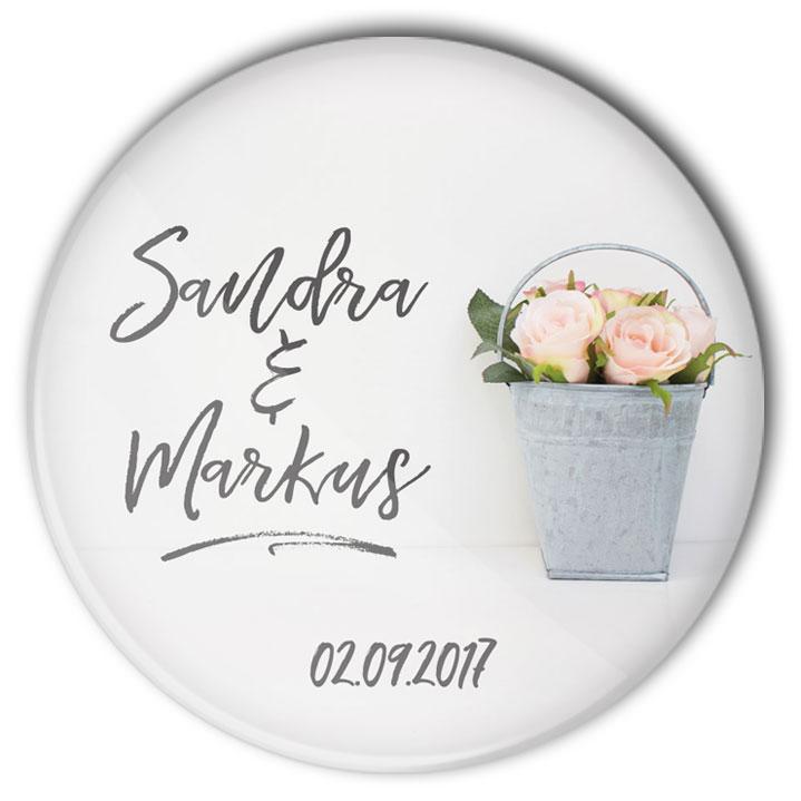 Hochzeit Button Mod. 37: Rosen in Zinkeimer mit Namensaufdruck