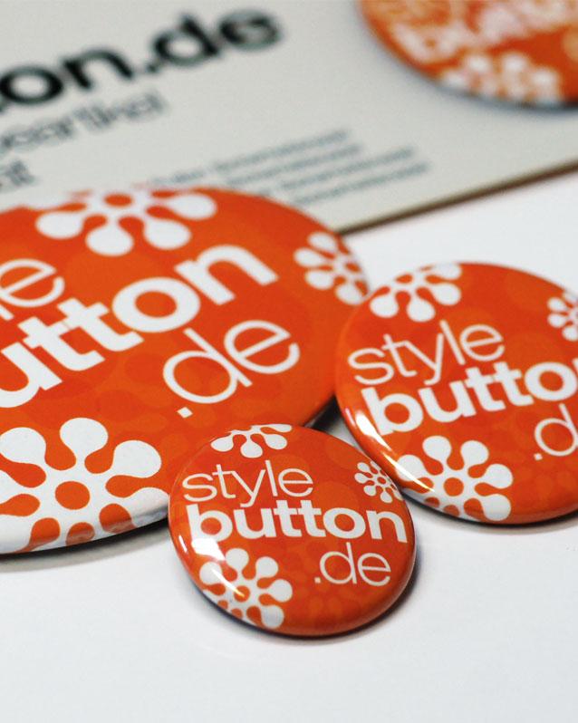 unser kleines Musterset mit Buttons ist kostenlos