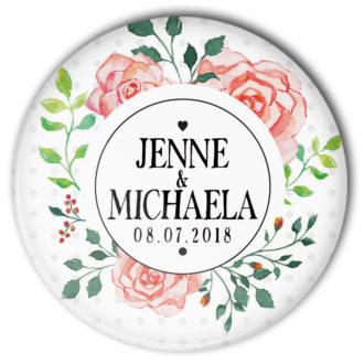 Hochzeitsbutton Mod. 39: Rosenbukett mit Name von Braut und Bräutigam und Datum der Hochzeit bedruckt