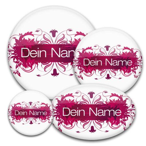 floral gestalteter Namensbutton in weinrot-weiß
