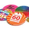 bunte Buttons 56 mm Durchmesser Größenvergleich 50 Cent Münze