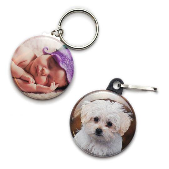 2 Foto-Schlüsselanhänger mit Baby und Hund