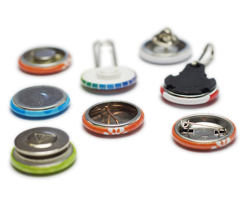 25 mm Buttons mit verschiedenen Rückseiten / Befestigungsvarianten