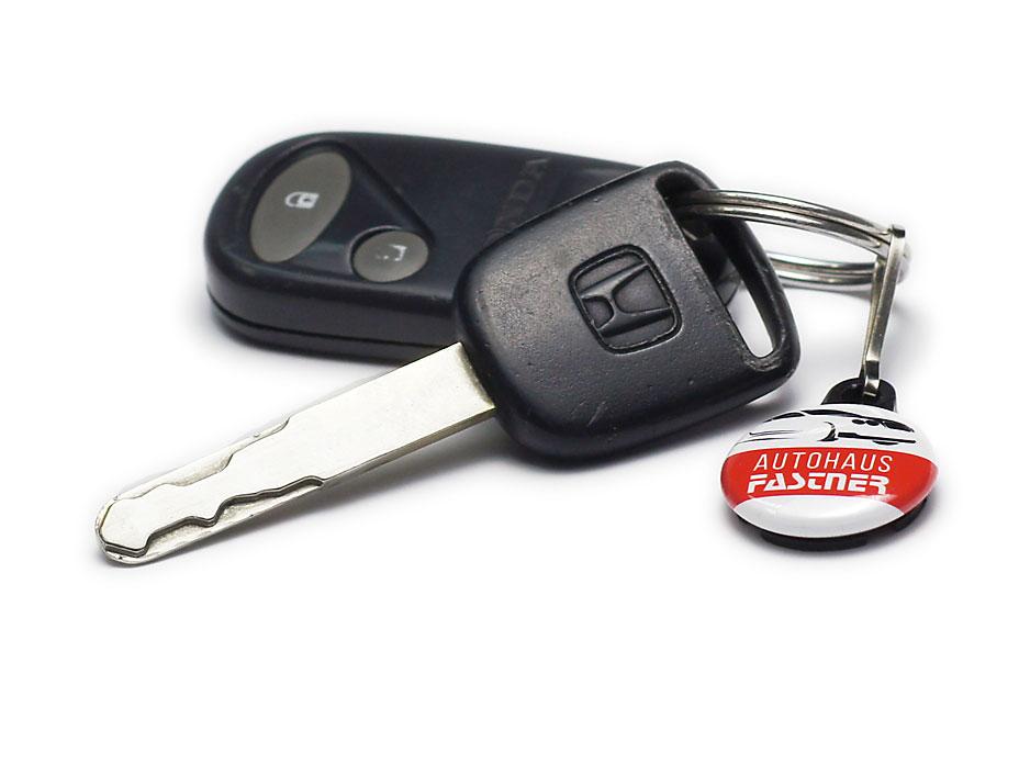 Autohaus Schlüsselanhänger an Schlüsselbund
