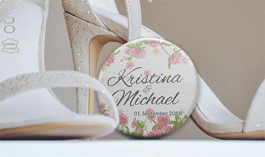 Hochzeit-Anstecker-Buttons bestellen
