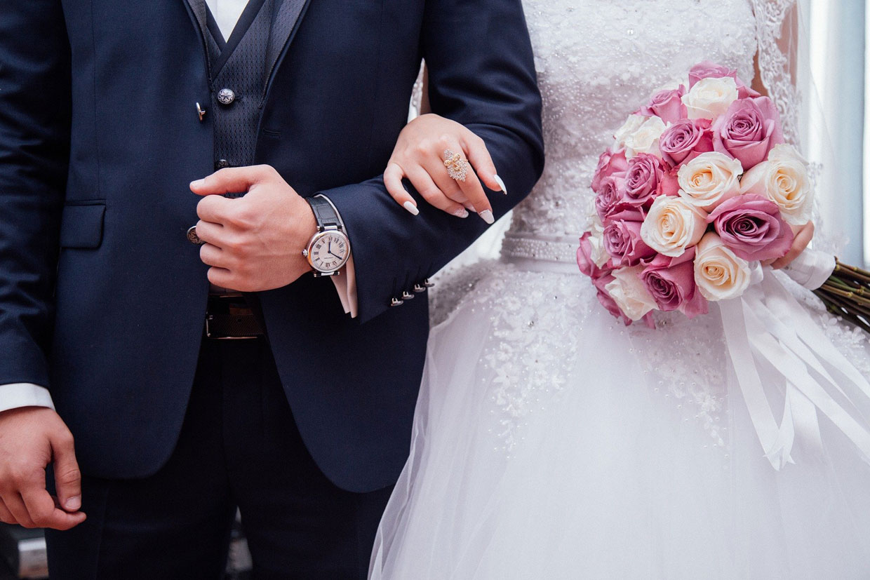 hochzeit brautpaar Top 10 Hochzeitsspiele 2020: originelle und witzige Ideen